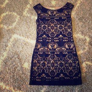 gorgeous black + cream cocktail dress!